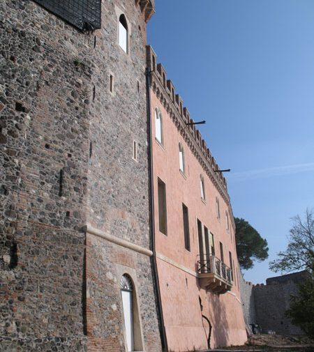 Castello dei Maltraversi 01