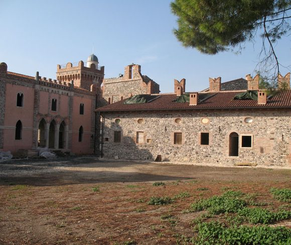 Castello dei Maltraversi 05