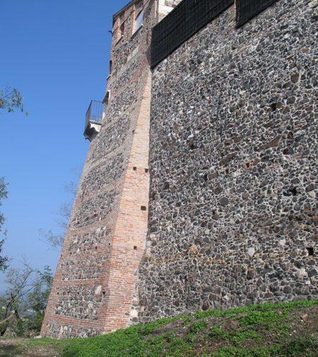 Castello dei Maltraversi 12