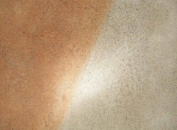 Parete realizzata in Nigra Padoana Gialla con Velatura in calce naturale