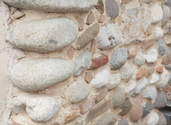 Riproduzione di muratura in sasso facciavista