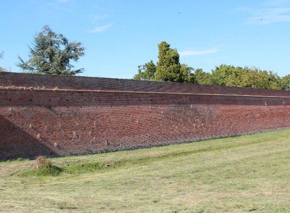 Mura gonzaghesche e fossato – Sabbioneta – MN